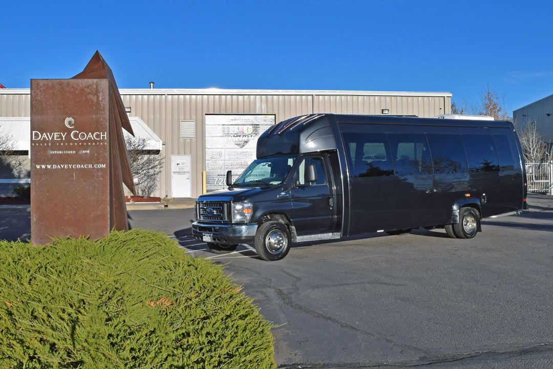 Mini Bus vs Charter Bus Rentals